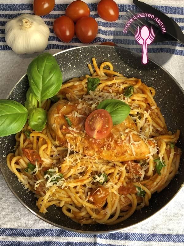 bazsalikomos-paradicsomos-csirkemell-spagettivel7 - Sylvia..